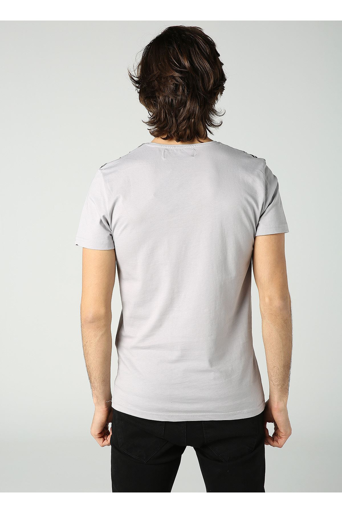 Bisiklet Yaka Çizgi Baskılı Erkek Gri T-Shirt