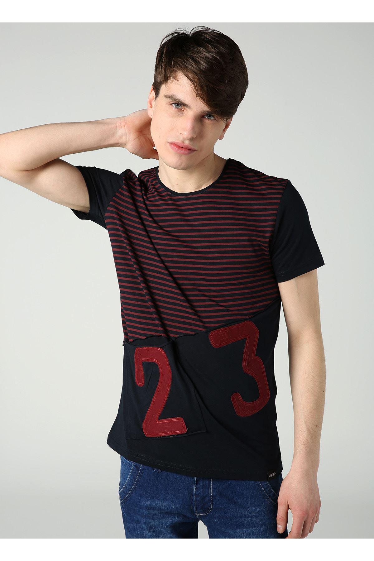 Bisiklet Yaka Çizgi Baskılı Erkek Lacivert T-Shirt