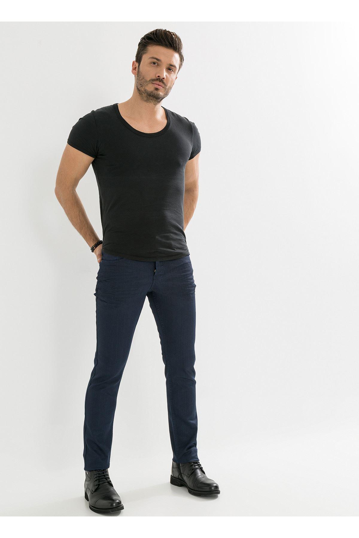Deri Görünümlü Özel Kaplamalı Lacivert Erkek Pantolon