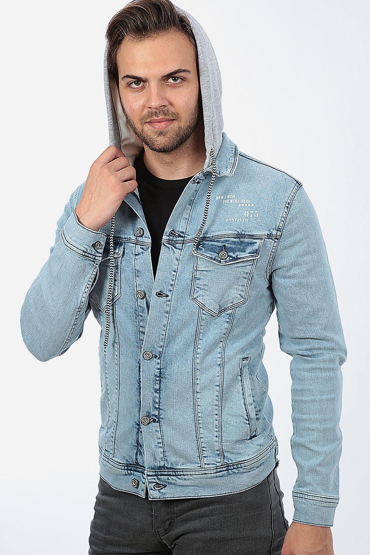 Erkek Kapüşonlu Yıpratmalı Buz Mavi Baskılı Yıkamalı Kot Ceket